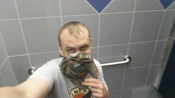 toilet-selfies-016-05232014