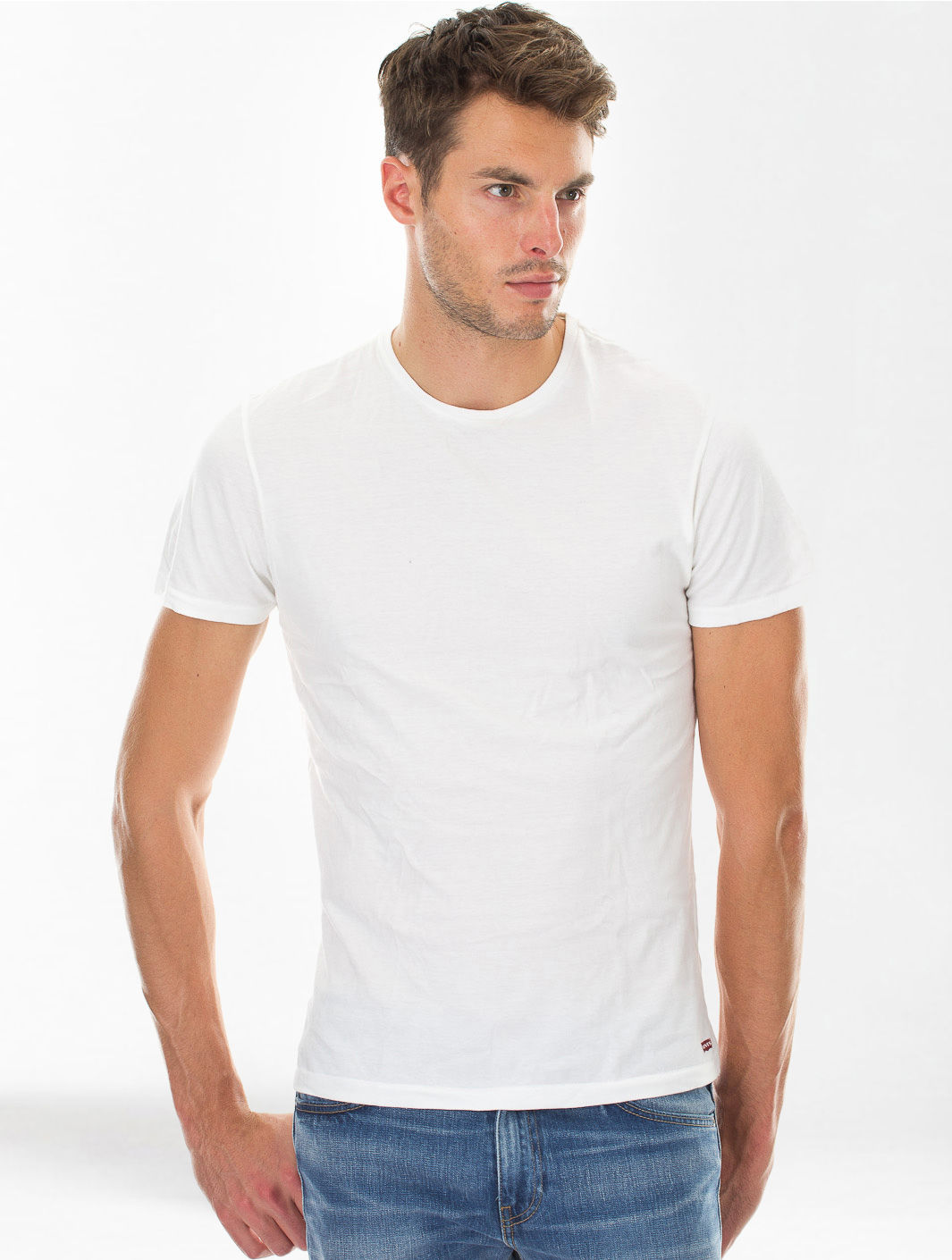 Men 39 s fashion 13 things that will never go out of style for Levis plain t shirts