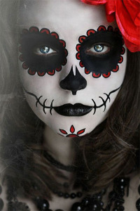 Amazing-Yet-Scary-Halloween-Make-Up-Ideas-looks-For-Girls-2013-2014-1