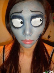 Amazing-Yet-Scary-Halloween-Make-Up-Ideas-looks-For-Girls-2013-2014-3