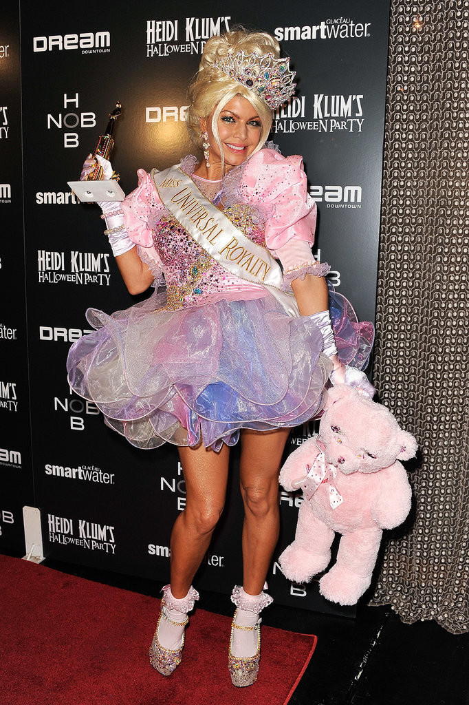 Fergie-Toddlers-Tiaras-Pageant-Girl  sc 1 st  CollegeTimes.com & 24 Celeb Halloween Costumes To Inspire You | CollegeTimes.com