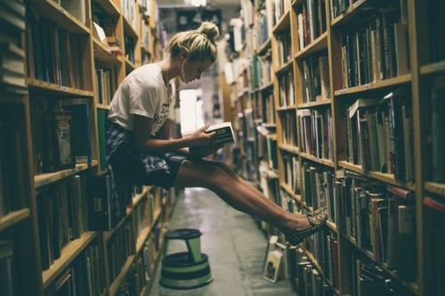 beauty-books-girl-library-Favim.com-1951026