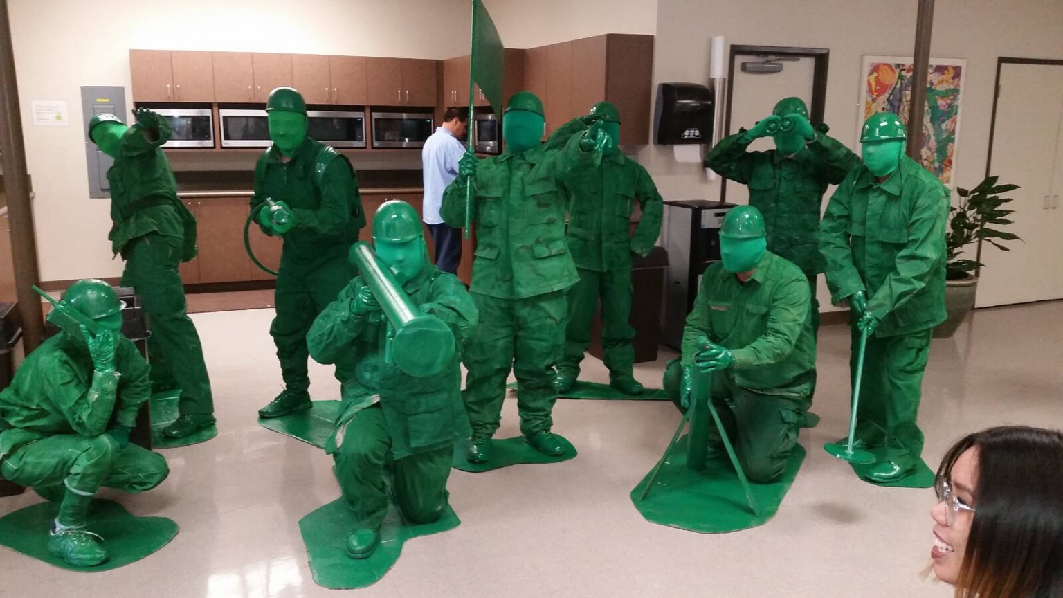 This fantastic toy soldier group costume & 12 Of The Most Amazingly Inventive Halloween Costumes 2016 ...