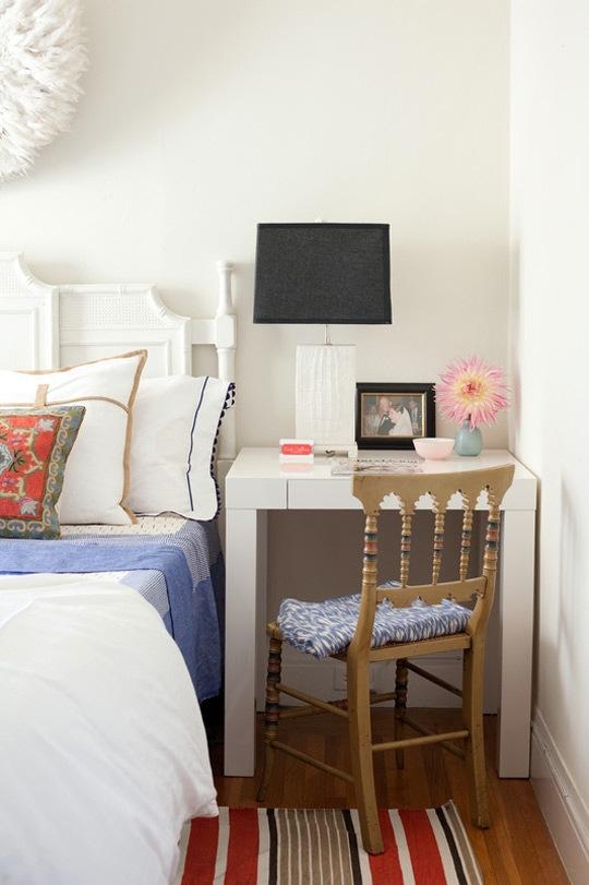 3 make your bedside table a desk - Tiny Bedroom
